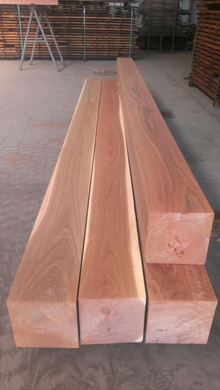 Australian Red Ironbark Hardwood Posts and Beams | Melbourne
